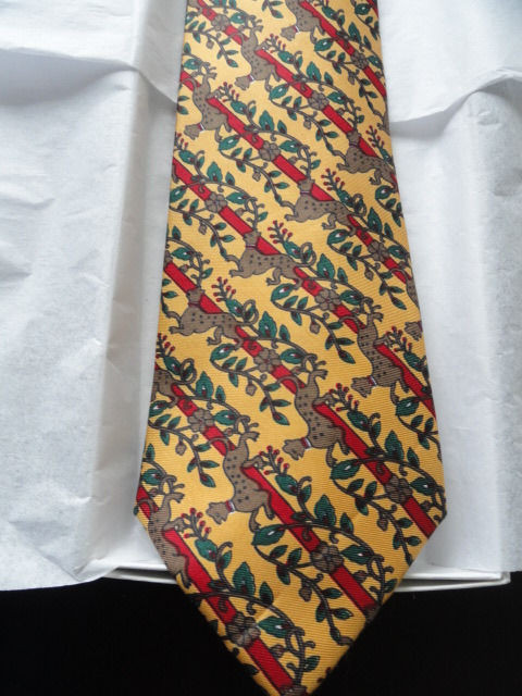 Vintage Men's DUNHOANG S.N.F. Tie Made In China 100% Silk Dog Pattern Interwoven