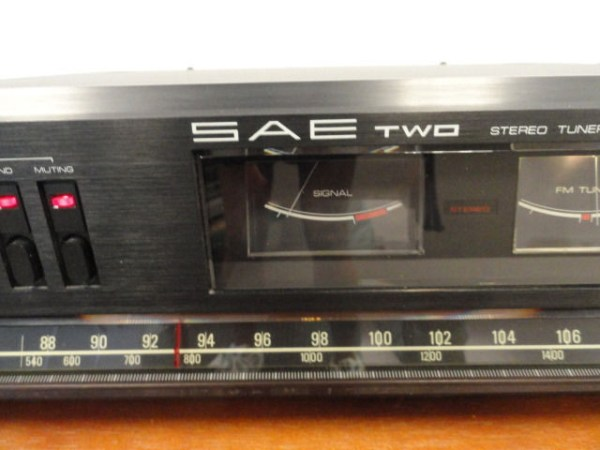 Vintage 1970's  SAE Two Stero Tuner T3U Some Damage Meant For Parts