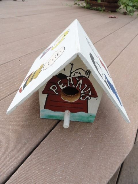 Hand Made Hand Painted Seven  Peanuts Characters Birdhouse One Of A Kind Mint