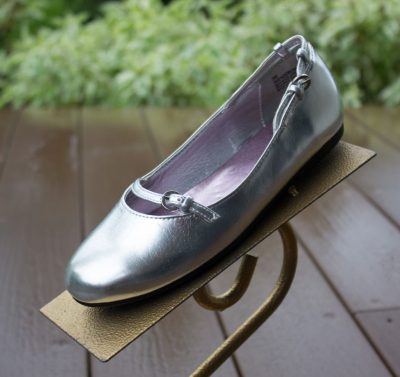 Girl's Sam & Libby Flat Silver Mary Jane Shoes NWOT Size 3