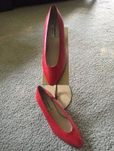 Saks Fifth Avenue Alter Ego Red Leather Pumps Shoes Wooden Heels Italy Size 6M