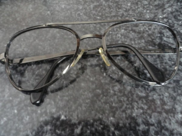 Vintage Eyeglasses Black Retro Metal Frames No Lenses Size 56-20 J-12398