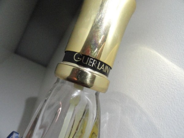 "Vintage Perfume Antimizer Spray GUERLAIN Gold Top 1/4 Full 6""x1"""