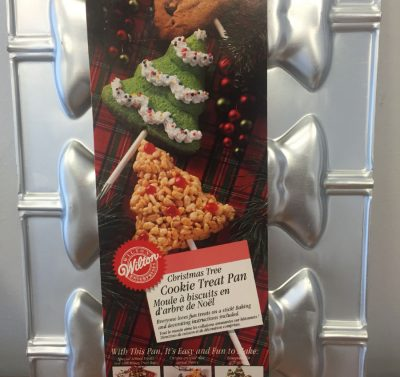 1995 Wilton Christmas Tree Cookie Treat Cake Pan Lollipop #2105-8101