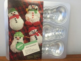1992 Wilton Mini Snowmen Cake Pan #2105-472 NEW Not Sealed