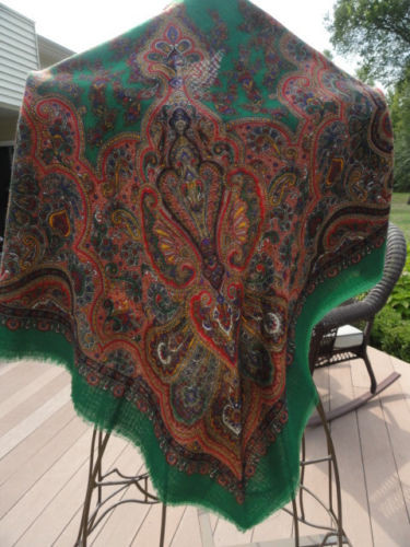 "Vintage Ladies Green Paisley Shawl Scarf Made in Italy 46""x46"" NWOT"