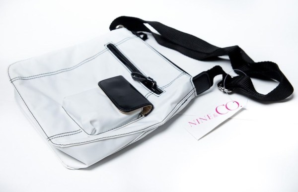 Women's NINE & CO. White & Black Accents Shoulder Bag Purse URBAN CHIC NWT