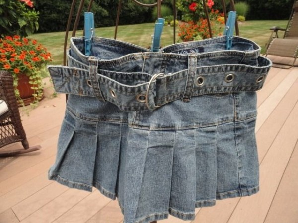Women's Angels Denim Pleated Jean Skirt With Belt Size Small NWOT