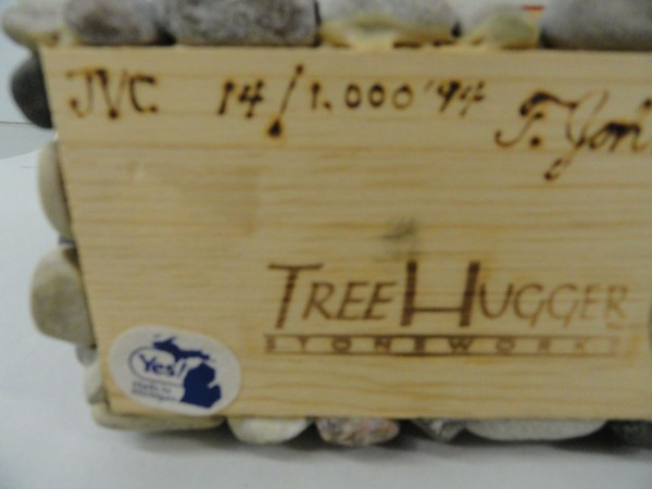 Vtg '94 Folk Art Handmade T. Johnston Barn Tree Huggers STONEWORKS JVC 14/1,000