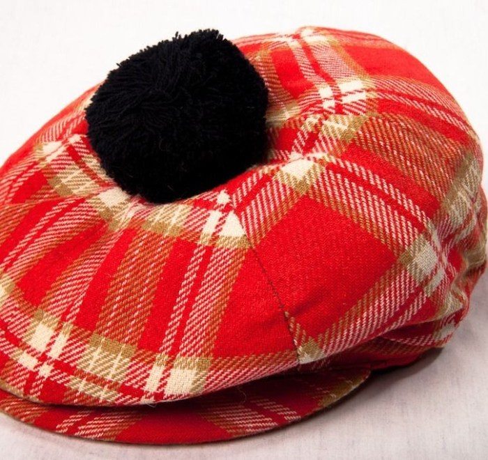 Vintage 60's Men's Hand Tailored FOXHUNTER Cap Hat Shannon Airport Red Plaid