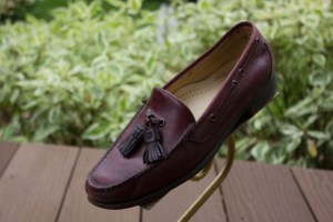 Men's COLE HAAN Cordovan Tassel Leather Loafer Slip On 8M Great Cond