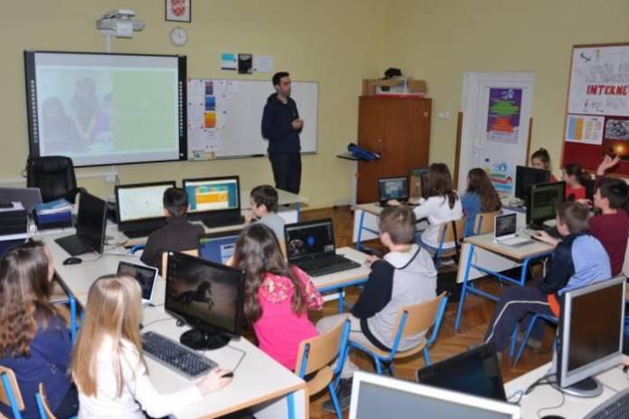 ucenici-skola-informatika