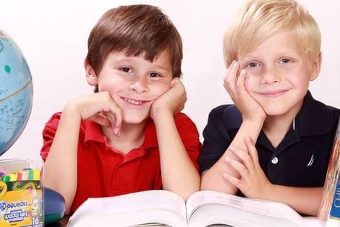Djeca, učenici u školi