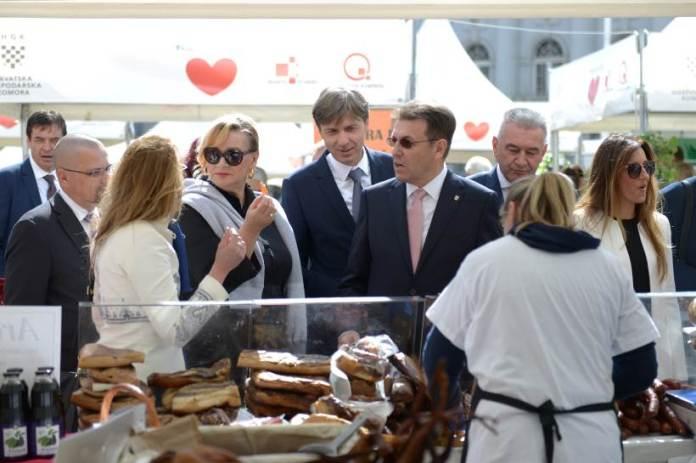 KUPUJMO HRVATSKO: Na glavnom zagrebačkom trgu predstavlja se više od 300 domaćih proizvođača