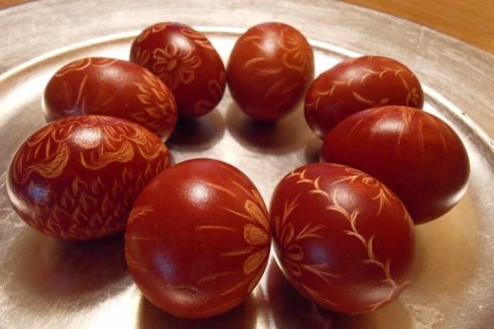 DOBAR SAVJET: Bojanje jaja za Uskrs prirodnim bojama