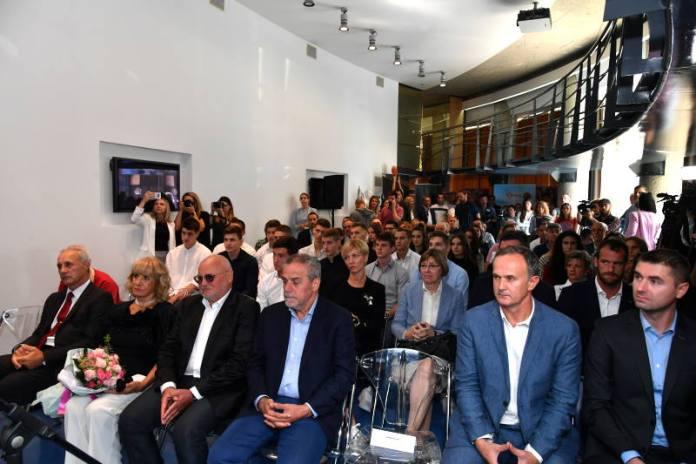 Nagrada Dražen Petrović uručena darovitim mladim sportašima i ekipama
