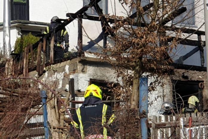 POŽAR NA BORČECU: Na teren upućena 23 vatrogasca sa šest vatrogasnih vozila