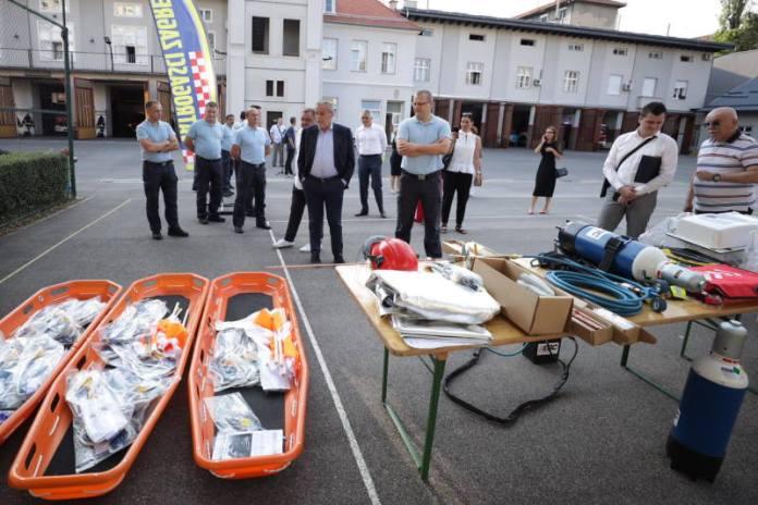 Zagrebački vatrogasci dobili novu opremu za spašavanje vrijednu više od 600.000 kuna
