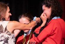 """Photo of """"Forbes"""" artikull për adoleshentet shqiptare që fituan konkursin në Kaliforni: 'GjejZa' synon të ndihmojë gratë e dhunuara"""