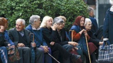 Photo of Rritet mosha për gratë shqiptare, nga 1 janari dalin 61 vjeç në pension