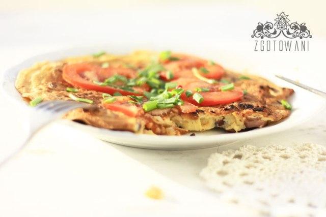 omlet-z-kielbasa-i-cebula-3