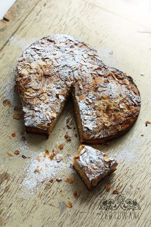 szybkie-ciasto-z-migdalami-2