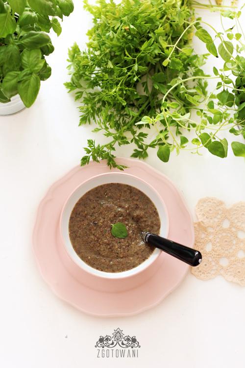 zupa-krem-z-pieczarkami,-cukinia-i-gorgonzola-4