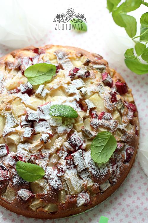 Ciasto-z-rabarbarem,-gruszka-i-mieta-5