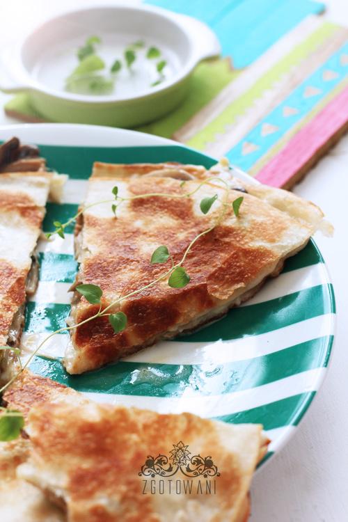 quesadillas-z-pieczarkami-i-mozzarella-4