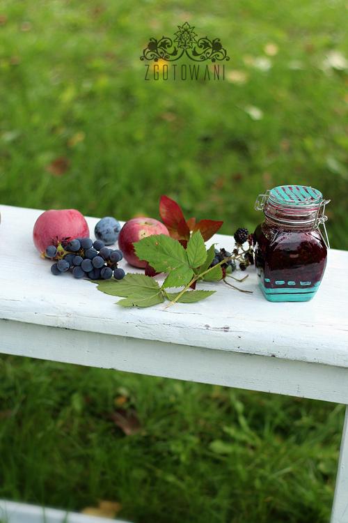 konfitura-ze-sliwka-jezynami-i-jagodami-4