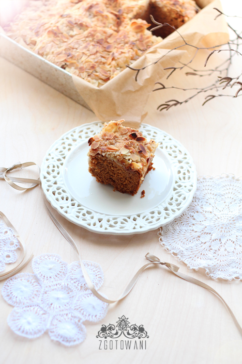 ciasto-z-jablkami-kruszonka-i-migdalami-10