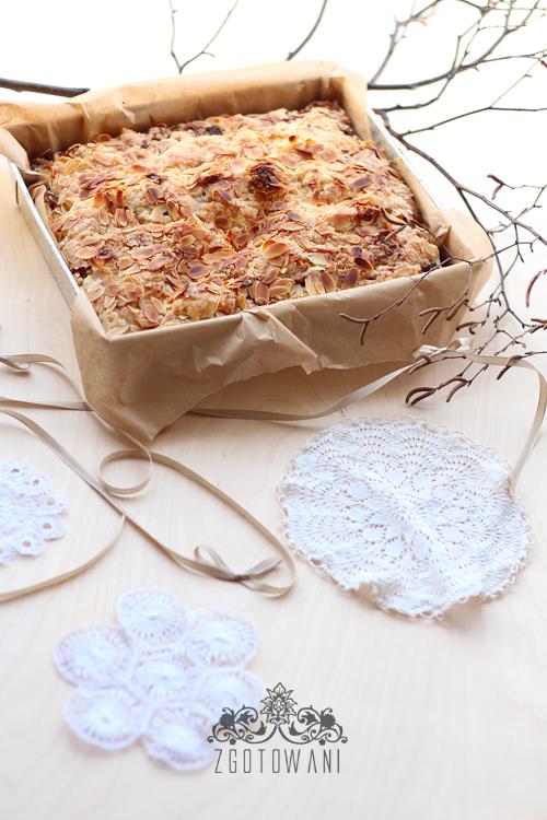 ciasto-z-jablkami-kruszonka-i-migdalami-2