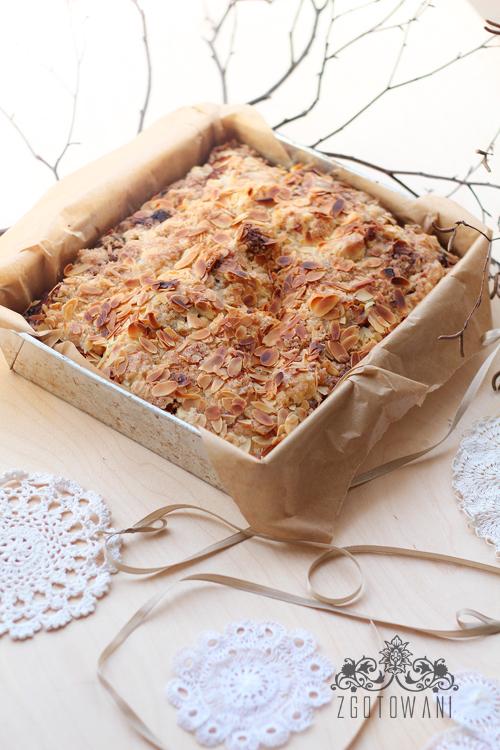 ciasto-z-jablkami-kruszonka-i-migdalami-4