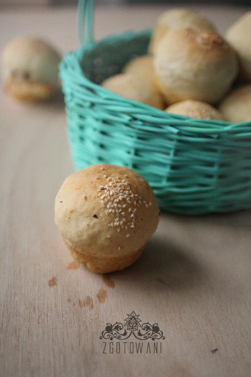 Muffinki-z-pieczarkami,-suszonymi-pomidorami-i-dwoma-serami-5