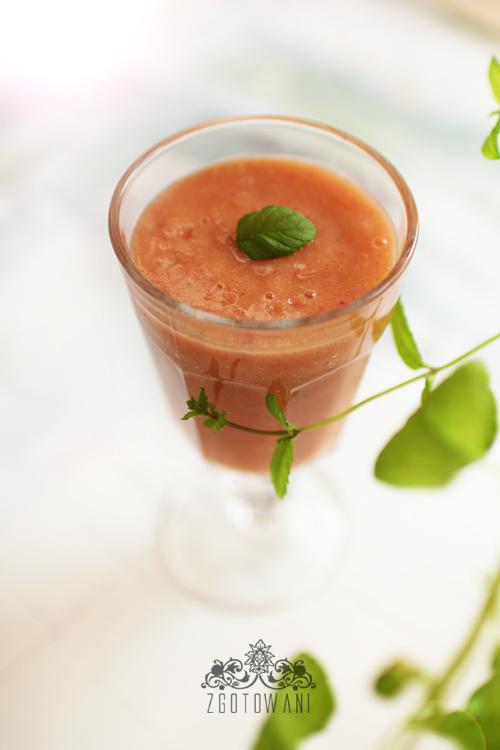 smoothie-z-mango-bananow-i-truskawek-6