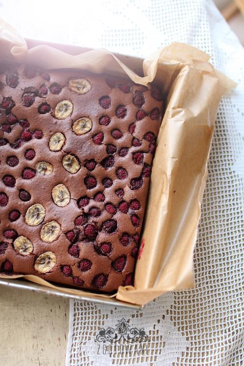 brownies-z-malinamii-i-bananem-3