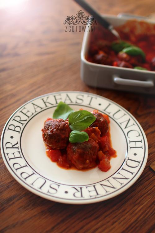 wolowe-pulpeciki-w-sosie-pomidorowo-paprykowym-1
