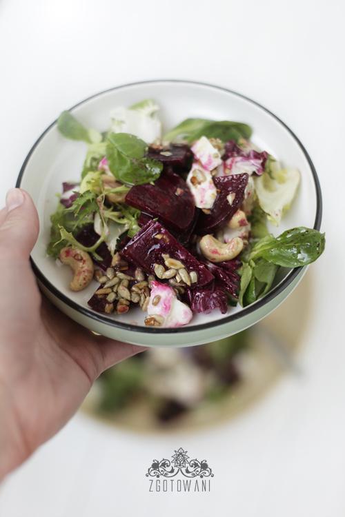 salatka z buraczkami, mozzarella i orzechami 1