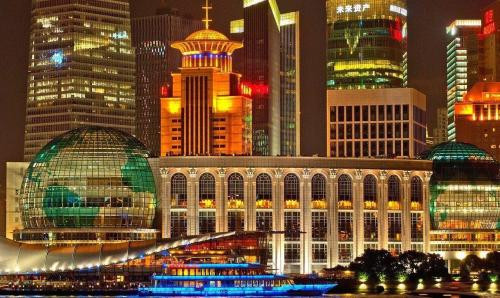 Pat Buchanan Dares To Ask - Is China The Country Of The Future?