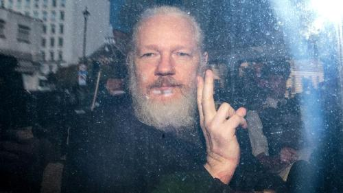 Assange's Lawyer Flip-Flops - Admits He Offered Russia Exoneration Quid Pro Quo, White House Ignored