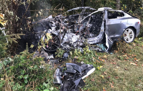 "11 Tons Of Water And ""Special Container"" Used To Extinguish Burning Tesla In Austria"