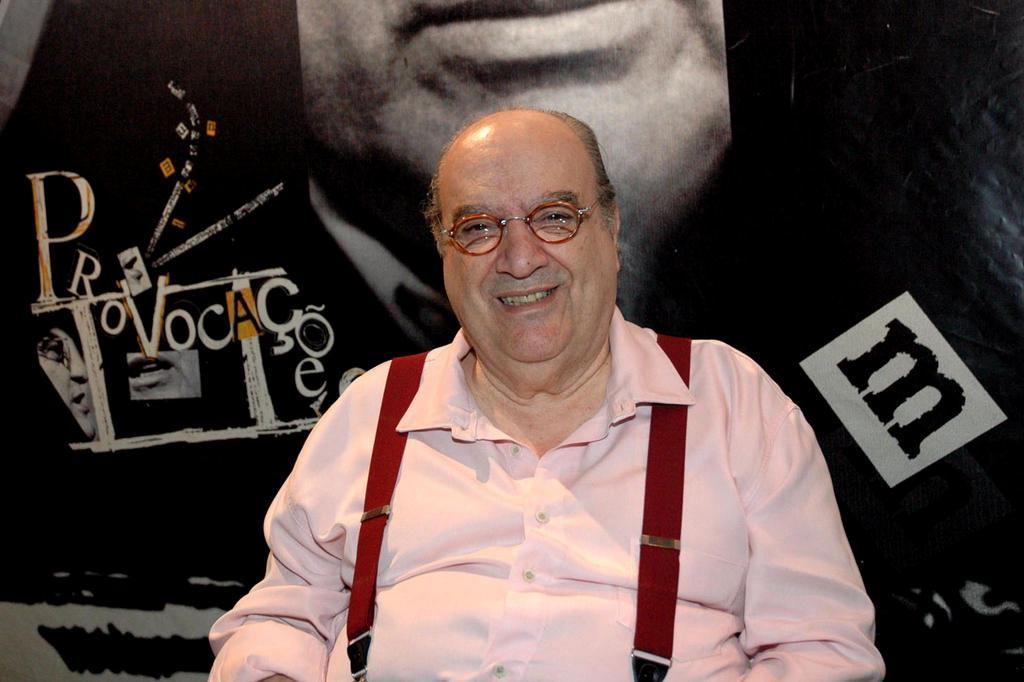 Aos 82 anos, morre o diretor, ator e apresentador Antônio Abujamra Ver Descrição/Ver Descrição