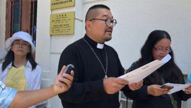向教友們發表演說的劉貽牧師(CK攝) Photo: RFA