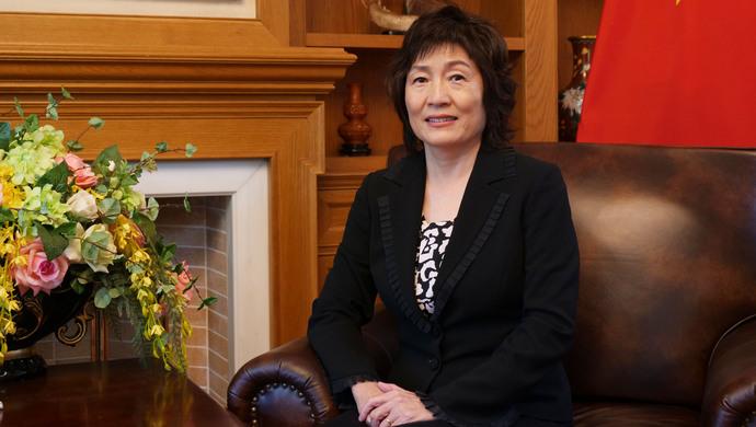 """女大使離任 被稱""""北京美人"""" 毛澤東親批她赴美學英語"""