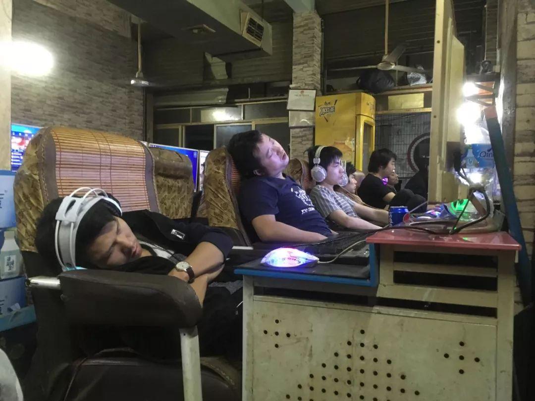百度貼吧裏,有一批人正在靠躺平對抗內卷