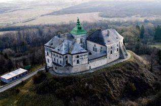 Олеський замок3