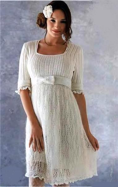Белое платье с фантазийным рисунком