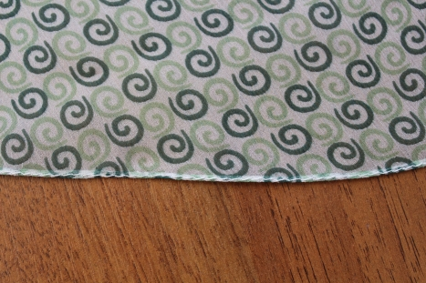 Швейная хитрость - как можно обрабатывать край тонких тканей (Шитье и крой)