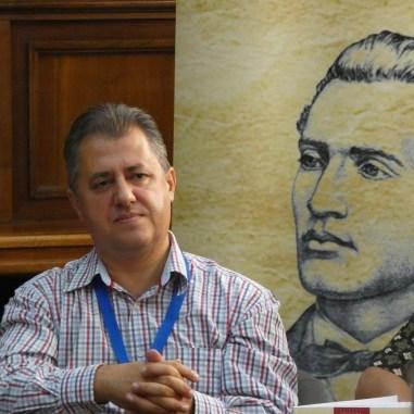 Scriitorul și jurnalistul Mihai Firică