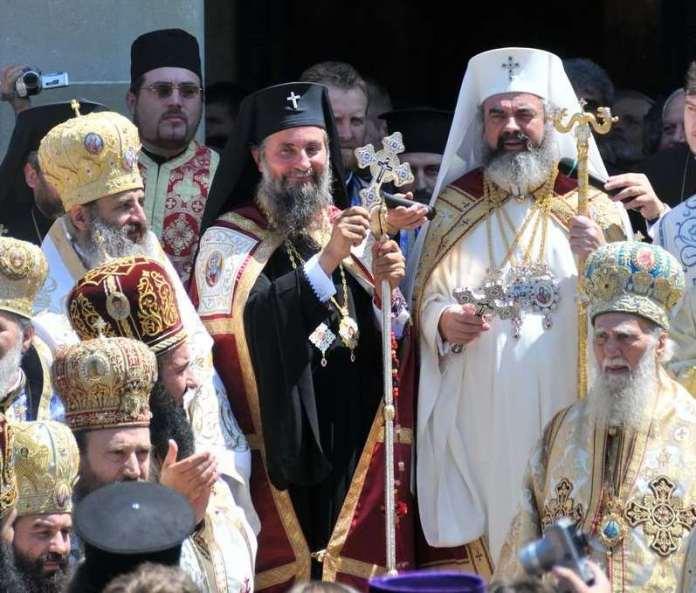 IPS Irineu Popa - imagine de la ceremonia de întronizare ca Mitropolit al Olteniei